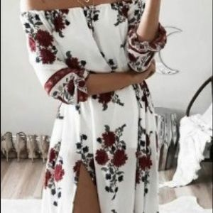 Dresses & Skirts - Off the shoulder summery floral maxi dress